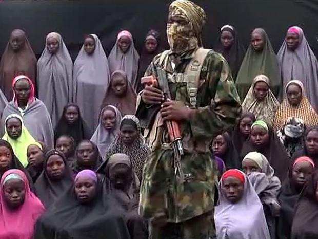 Boko Haram liberta 21 garotas que foram sequestradas em 2014