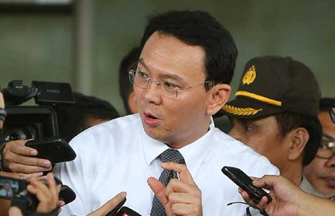 """Dez mil muçulmanos indonésios exigem a morte de um governador cristão:"""" """"Ele deve ser executado. Segundo a doutrina islâmica, ele deve ser morto. """""""