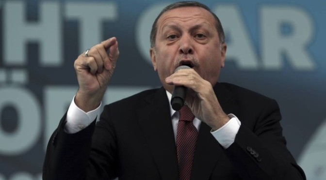 Erdogan submeterá restauração da pena de morte ao Parlamento turco