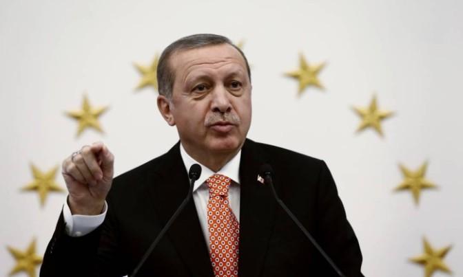 União Europeia critica Turquia, mas não suspende negociações