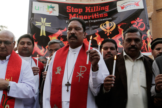 Jovem cristão é espancado em mesquita após pedir água