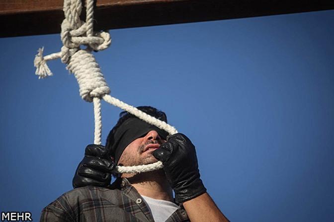 """República Islâmica do Irã prende mais de 30 homossexuais e vai sujeitá-los a """"testes de sodomia"""""""