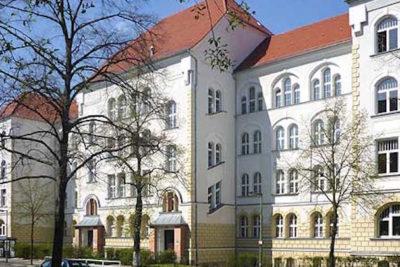 Estudante judeu sai de escola de Berlim devido ameaças e violência de colegas de classe muçulmanos