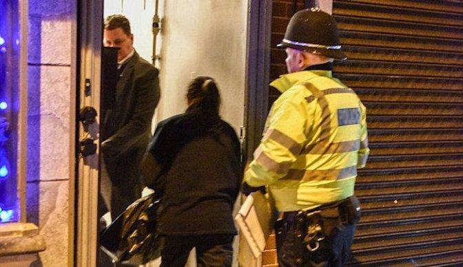 """Reino Unido: Muçulmanos gritando """"Allah Allah"""" e """"Eu vou matar todos vocês"""" em área judaica é considerado ato não relacionado ao terrorismo"""