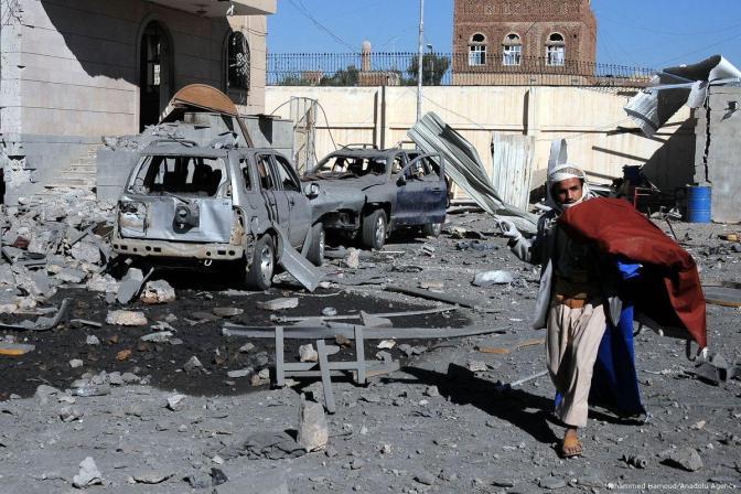 Ataques da coalizão saudita matam 136 civis no Iêmen