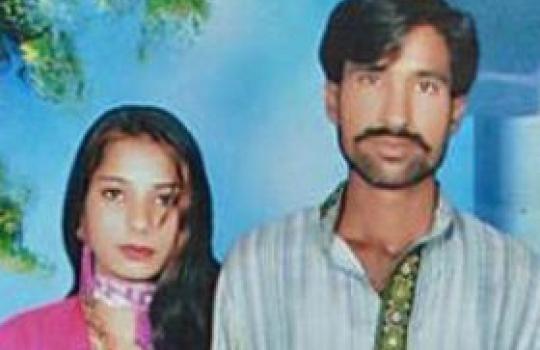"""Paquistão: Tribunal libera 20 muçulmanos suspeitos de queimar casal cristão vivo em forno industrial por """"blasfêmia"""