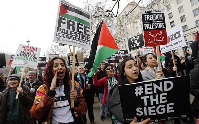 """Britânicos protestam contra Israel, mas se calam contra """"epidemia das facas"""" que assola Londres"""