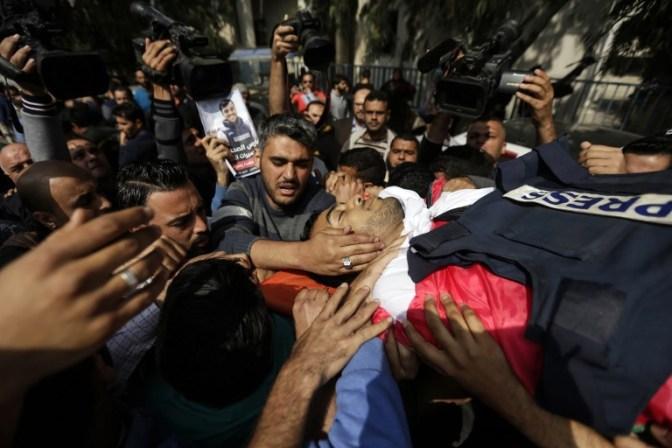 IDF negam ter alvejado deliberadamente jornalista morto em protestos violentos na Faixa de Gaza
