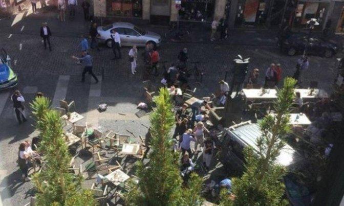 Alemanha: 3 mortos e pelo menos 30 feridos em possível atentado com veículo num bairro turístico
