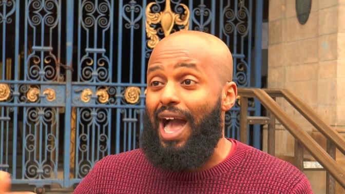 """O novo prefeito muçulmano de Sheffield diz: """"Eu nem faria um brinde à rainha"""""""