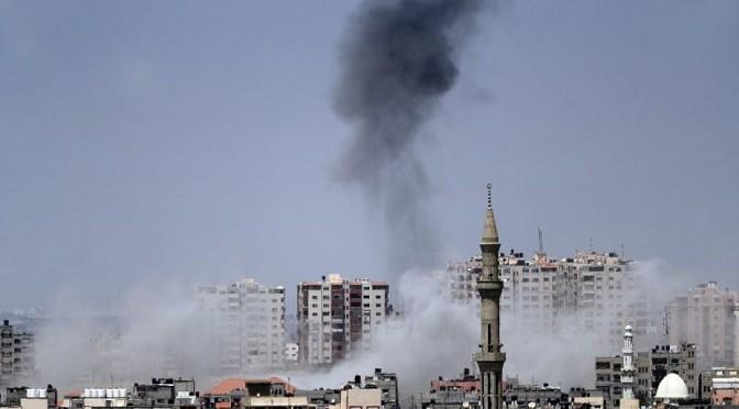 Foguetes disparados por terroristas em Gaza ferem soldados e civis israelenses