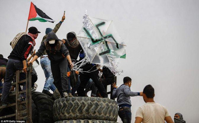"""Gaza:Palestino ao ser entrevistado antes de empinar pipa com suástica diz """"queremos queimar os judeus"""""""