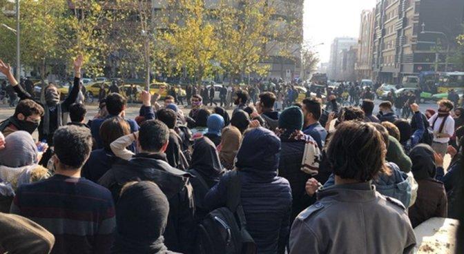 Irã: manifestantes protestam no Baluchistão após professor xiita insultar baluchis e sunitas
