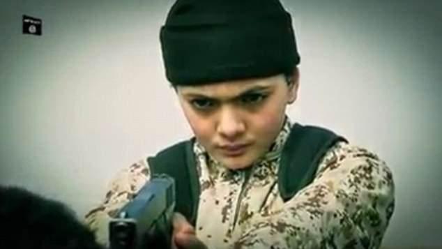 Facebook manteve vídeos do Estado Islâmico no site por três anos, apesar de alegar reprimir conteúdo de ódio