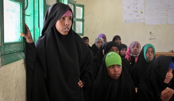 Suíça: imigrante muçulmana condenada a 8 meses de prisão por mutilação genital de suas duas filhas
