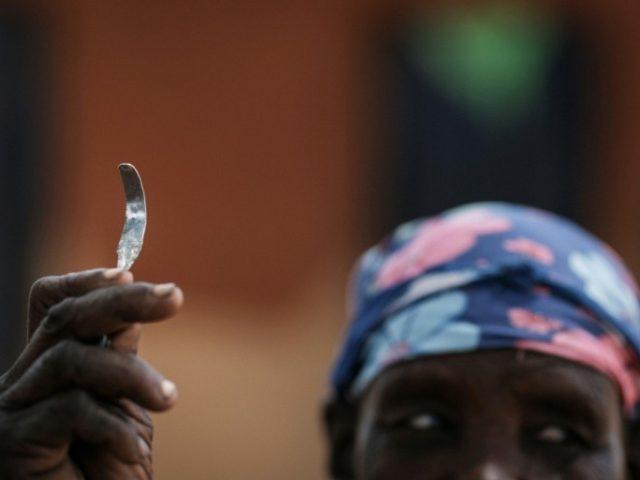 Menina somali de 10 anos morre após mutilação genital feminina