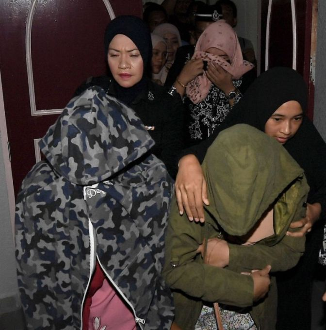 """Malásia: """"Sharia ordena chicotear lésbicas para infundir medo de Allah"""""""