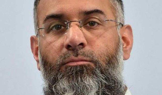 Inglaterra:apoiador do Estado Islâmico custará 2 milhões de libras por ano para ser monitorado após ser solto da prisão