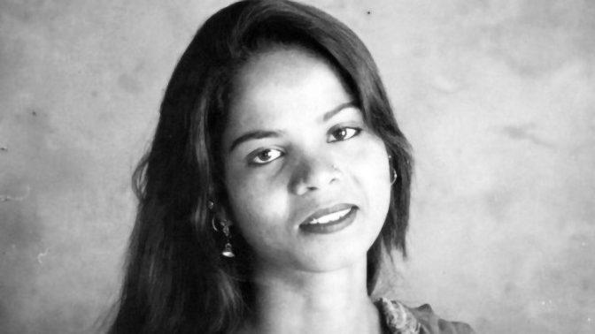 Asia Bibi foi libertada da prisão mas ainda está no Paquistão