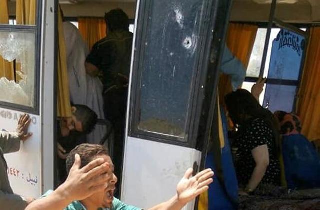 Egito: terroristas muçulmanos matam pelo menos sete cristãos em ônibus lotado de peregrinos