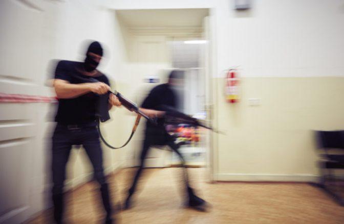 """Suécia libera da prisão muçulmanos que queriam """"matar o máximo possível"""" em 2010"""
