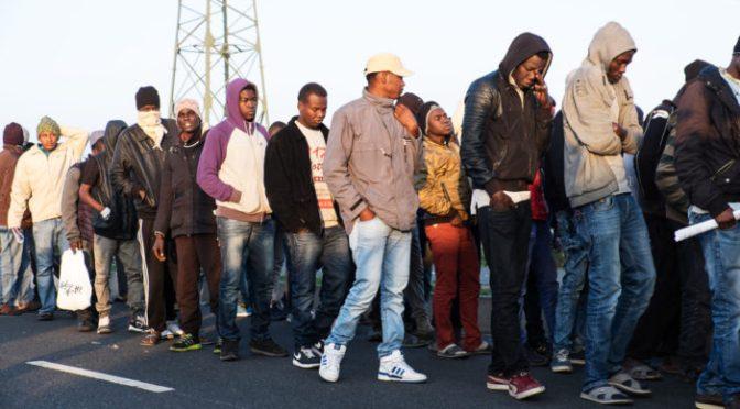"""""""Pare a sua política de abrir fronteiras na Europa, precisamos da nossa juventude aqui"""", exortam os líderes africanos"""