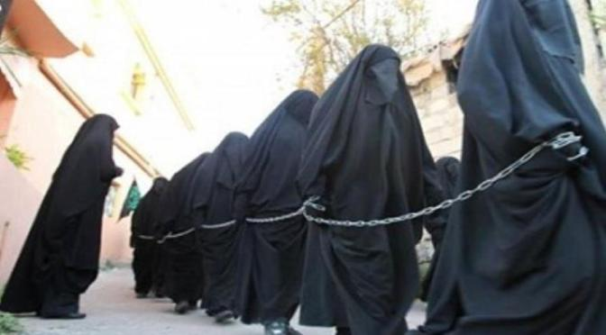 Ex-escravas sexuais do ISIS abrigadas no Canadá ameaçadas com telefonemas e textos