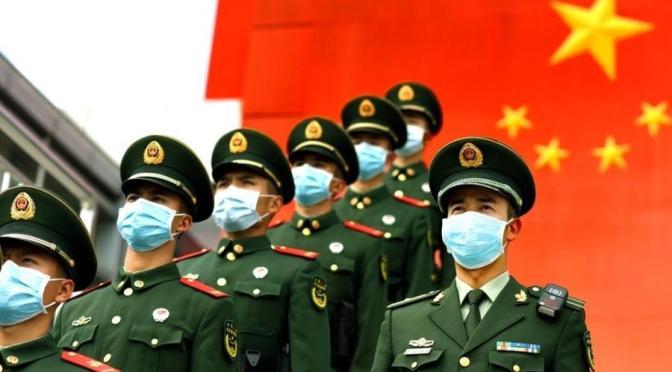 """OMS legitima """"ciência prostituta"""" subserviente à China genocida"""